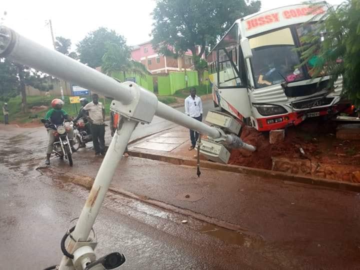Jussy Coach Knocks down CCTV camers