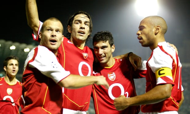 JOSÉ ANTONIO REYES second last from the Right-hand side celebrating with Arsenal Team-mates