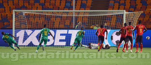 Sadio Mane penalty miss Action