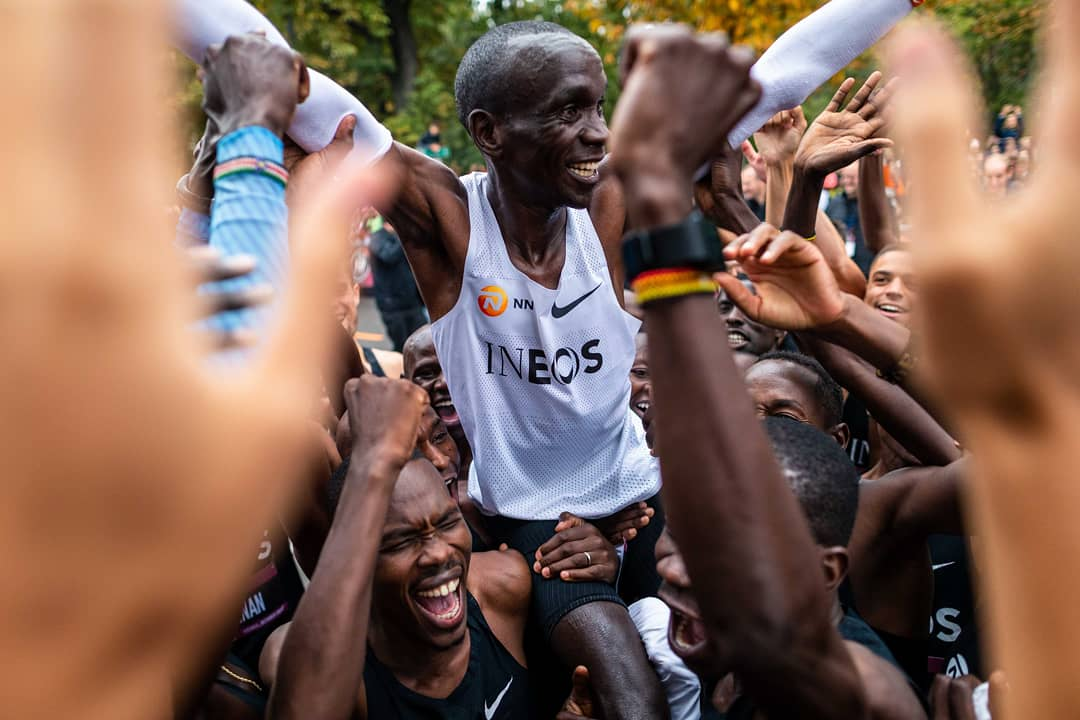 Eliud Kipchoge lifted up during the Victory Celebration