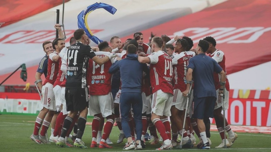 Arsenal players celebrating